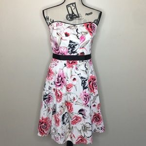 White House Black Market Strapless Dress SZ 6